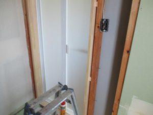 浴室ドア枠